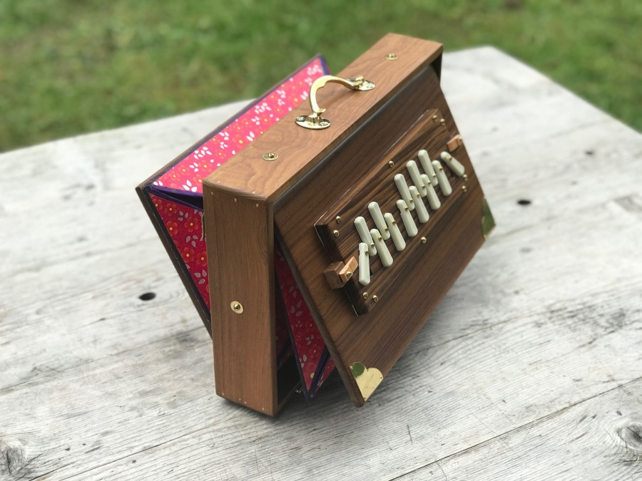 Shruti Box in C- 440 Hz / M